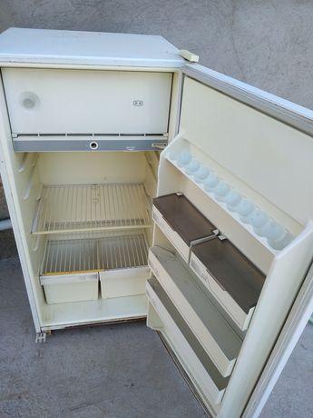 Холодильник бирюса средний рабочий б/у