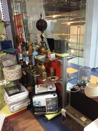 Продавам бизнес -магазин за декорация и мебели .