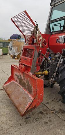 Troliu pentru tras lemne cu montare in tiranti tractor
