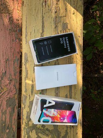 Продам Samsung A70