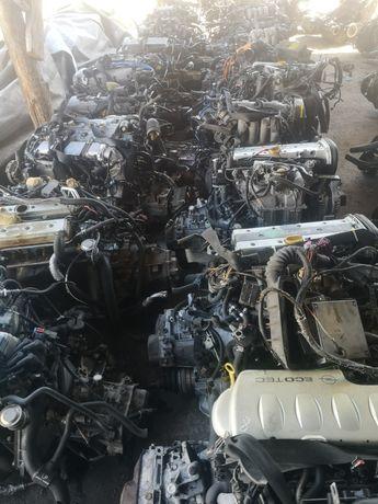 Двигатель на Opel все модели и Ауди А6 А4 С4 С3 В4 В3 80 100 итд..