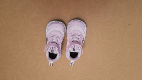 Детски маратонки в много добро състояние като нови...