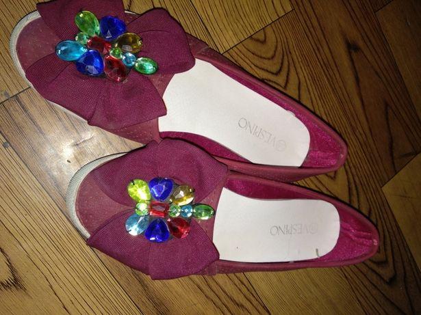 Продам туфли балетки
