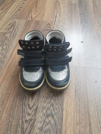 Осенние ботиночки на девочку чистая кожа, в подарок сандалии