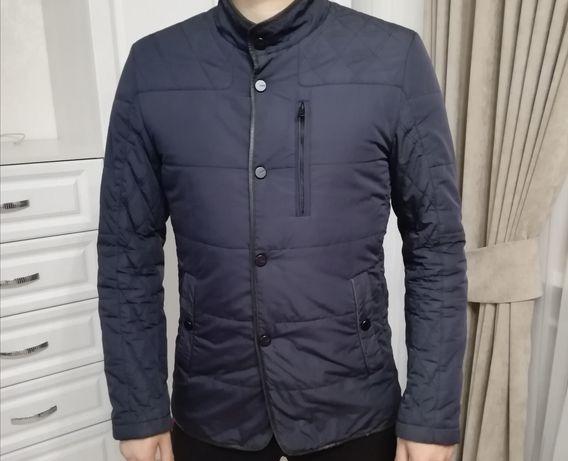 Продам куртку, ветровку