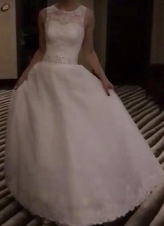Продам белое платье на высокий рост