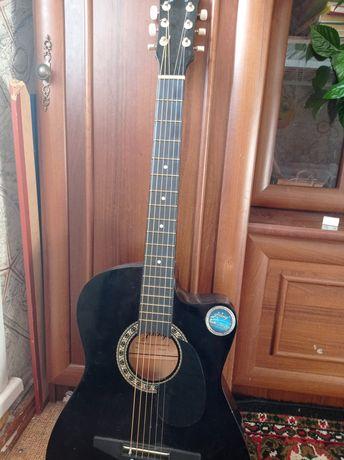 Гитара-что бы купил поиграл пару дней и забыл:)
