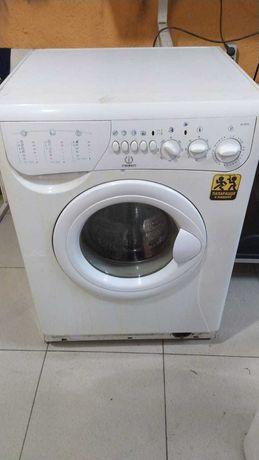 Продам стиральную машинку 5кг INDESIT