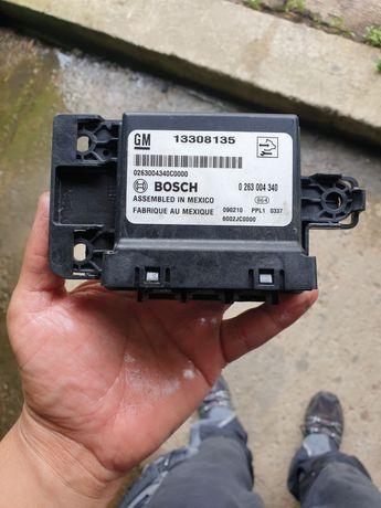 Calculator senzori parcare Opel Insignia cod 13308135