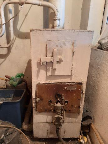 Печка на твёрдом и газовым отопление