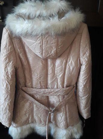Продавам зимно яке