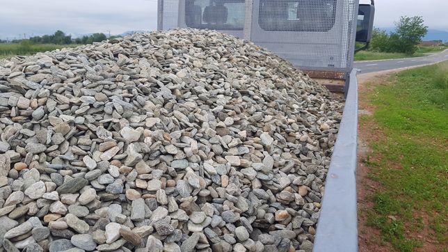 Vand nisip sort piatra refuz ciur transport pamant negru