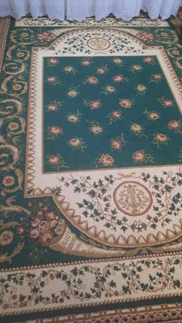 Продам ковёр отличный состояние