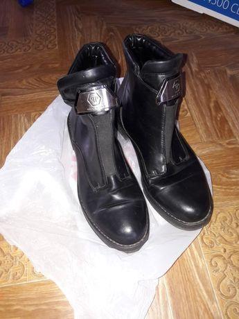 Продам ботинки осенние