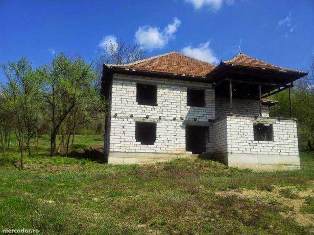 Vand Casa + Teren in Comuna Dragotesti