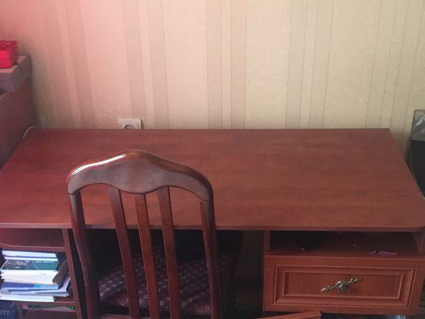 Продам писменный стол срочно