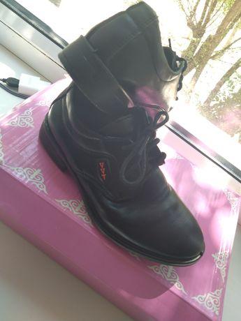 Продам туфли  28 размер