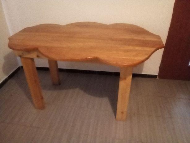 masa de lemn masiv