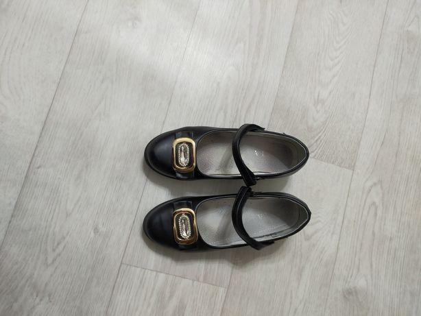 Туфли б/у для девочки