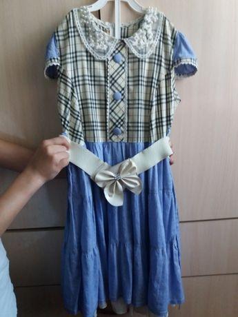 Платье для девочки 10 лет продам