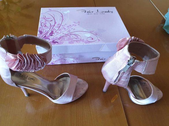 Продавам различни модели дамски обувки