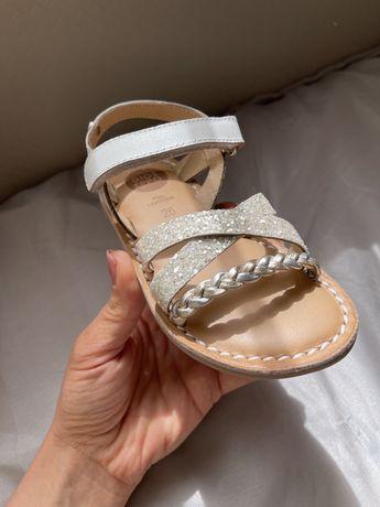 Нови Gioseppo 26номер сандалки