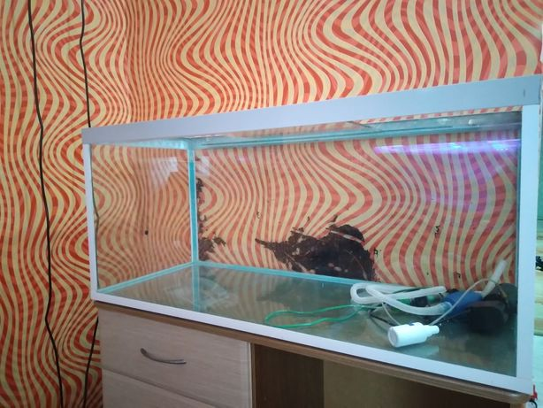 Продам аквариум 180л