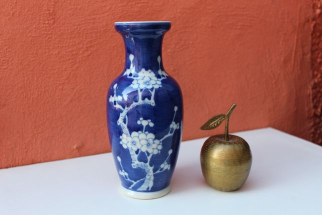 Vaza portelan de colectie CHINA - Prunus, inceputul secolului 20