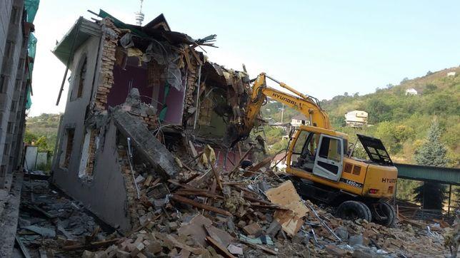 Разрушение и снос домов, Демонтаж коттеджей, времянки, зданий, и.т.д