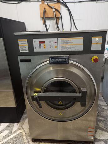 Професионални машини за обществена пералня