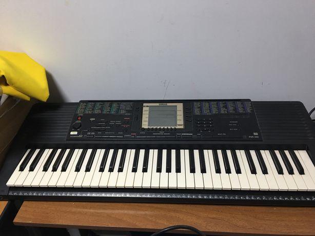 Синтезатор YAMAHA PSR-330