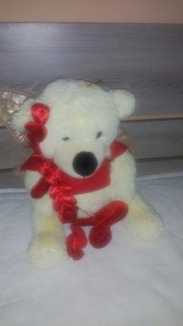 Св. Валентин плюшени играчки и сърца