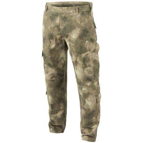 Pantaloni camuflaj a-tacs