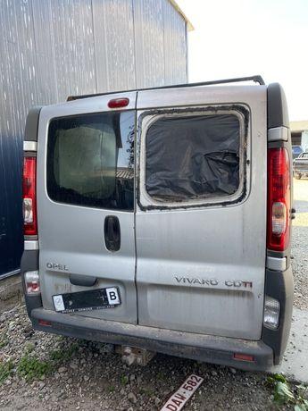 Dezmembrare Opel Vivaro - Piese caroserie interior mecanica