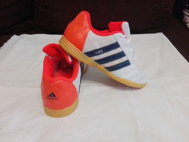 Adidasi Adidas,Pentru Copii,Marimea 34! UNISEX! ORIGINALI!Stare buna.