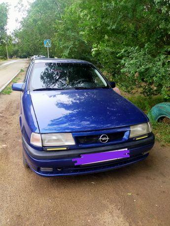 Продам автомобиль Opel Vectra 1993 года 1,6 объем  в хорошем состоянии