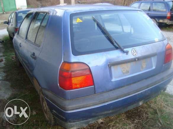 Продавам на части VW голф 2 голф 3 джета