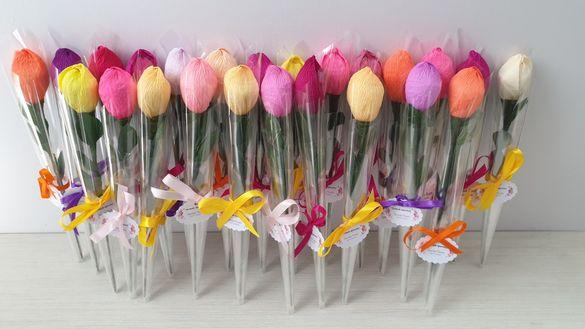 Цвете с бонбон- лаленца