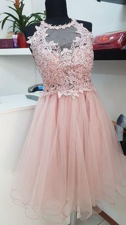Vând rochie elegantă