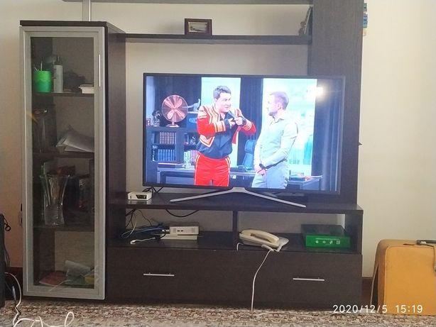 Горка, стенка под телевизор