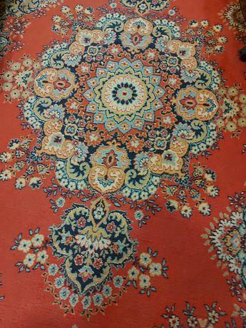 Продам шерстяной  ковёр в отличном состоянии