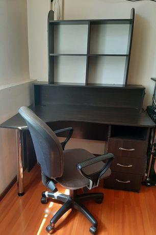Продается стол + кресло