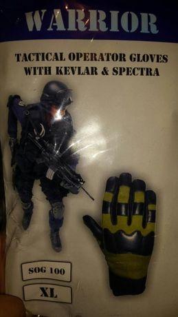Mănuși tactice