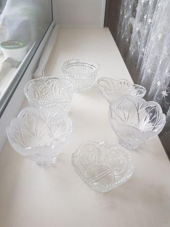 Хрустальные  салатницы и ваза 7 шт.