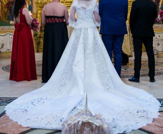 Vand rochie de mireasă