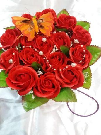Aranjamente din trandafiri de sapun pentru majorate si alte ocazii