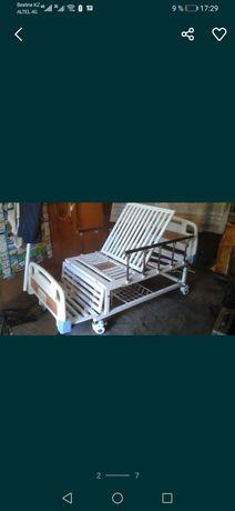 Многофункциональная кровать без матраса ,механическая в хор состоянии.