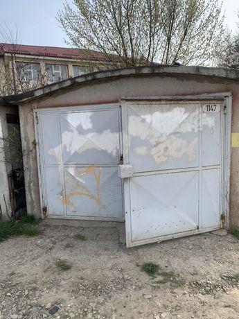 Garaj strada Garofitei nr.3