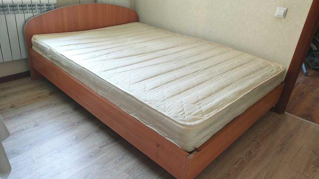 Срочно продам спальный кровать
