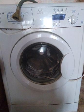 На запчасти машинка стиральная